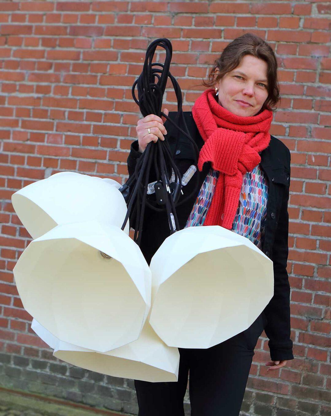 Evelien ontwerper van de tovvel lamp